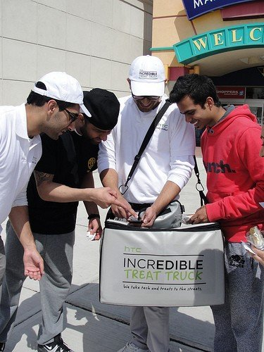 htc incredibly sweet teams hit canadian streets 3